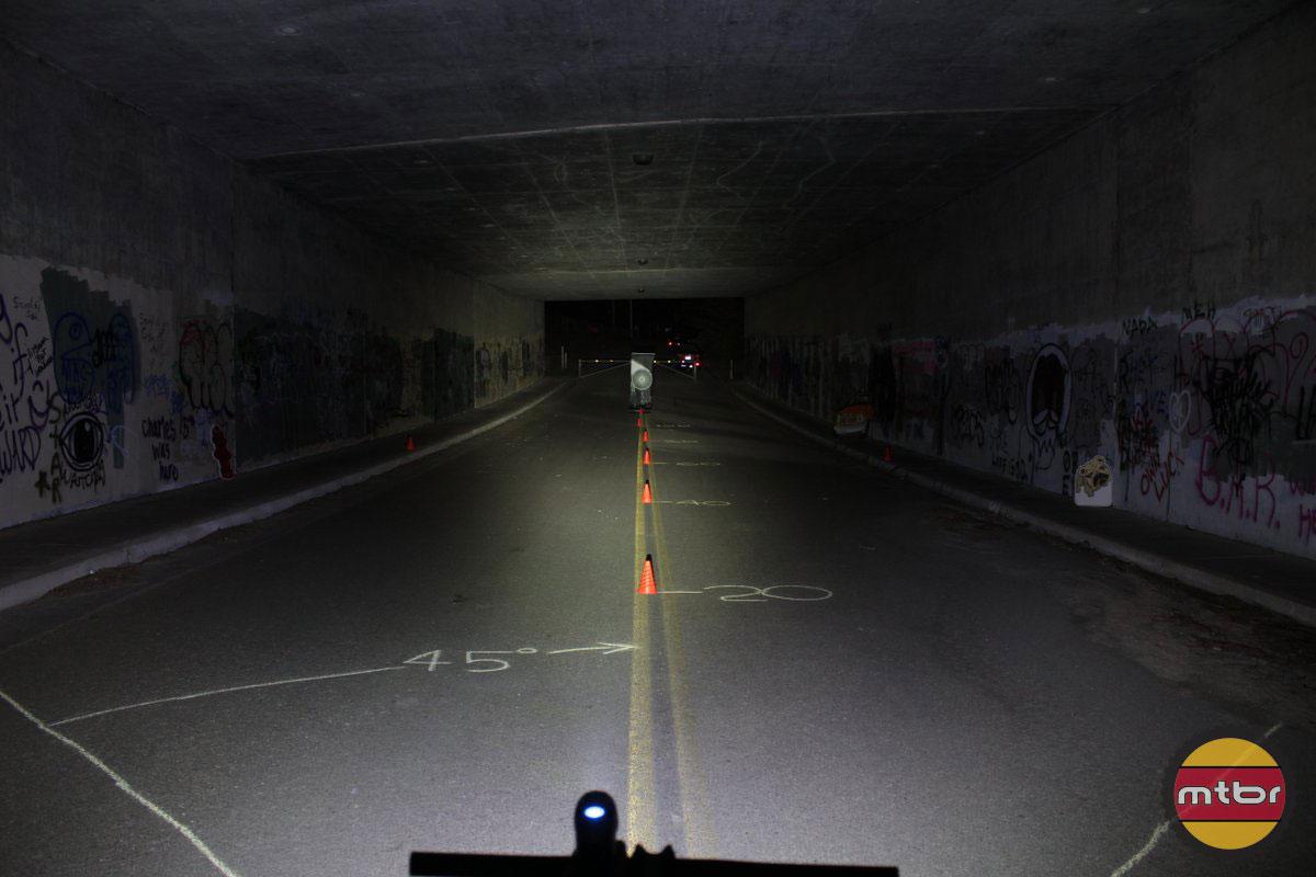 2014-MTBR-Tunnel-Test-Serfas-True-550.jp