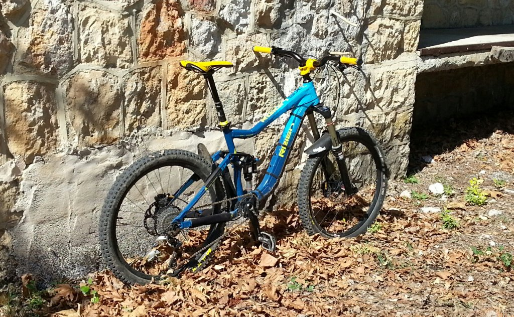 Show us a picture of your 26er MTB that you still use on the trails-20141011_131641%7E01.jpg