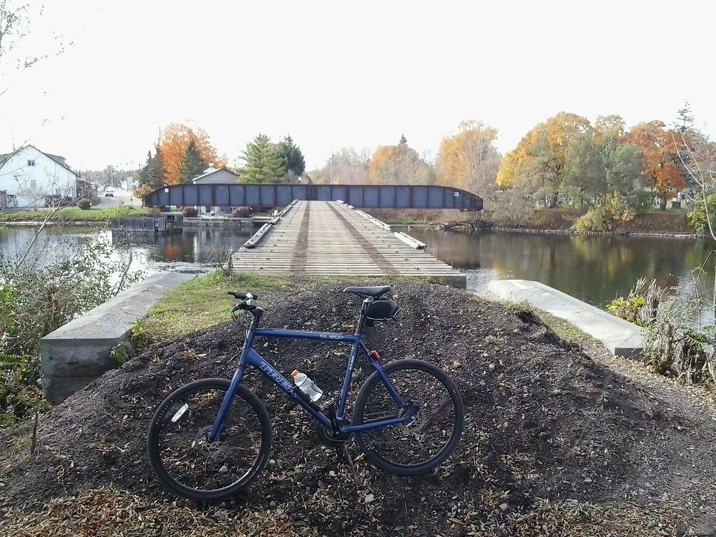 Bridges of Eastern Canada-2015-10-27-swing-bridge_bike-copy.jpg