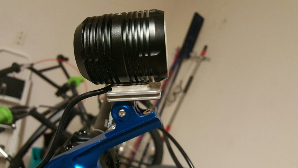 GoPro light adapter with fins for additional heatsinking-20150813_195310_resized.jpg
