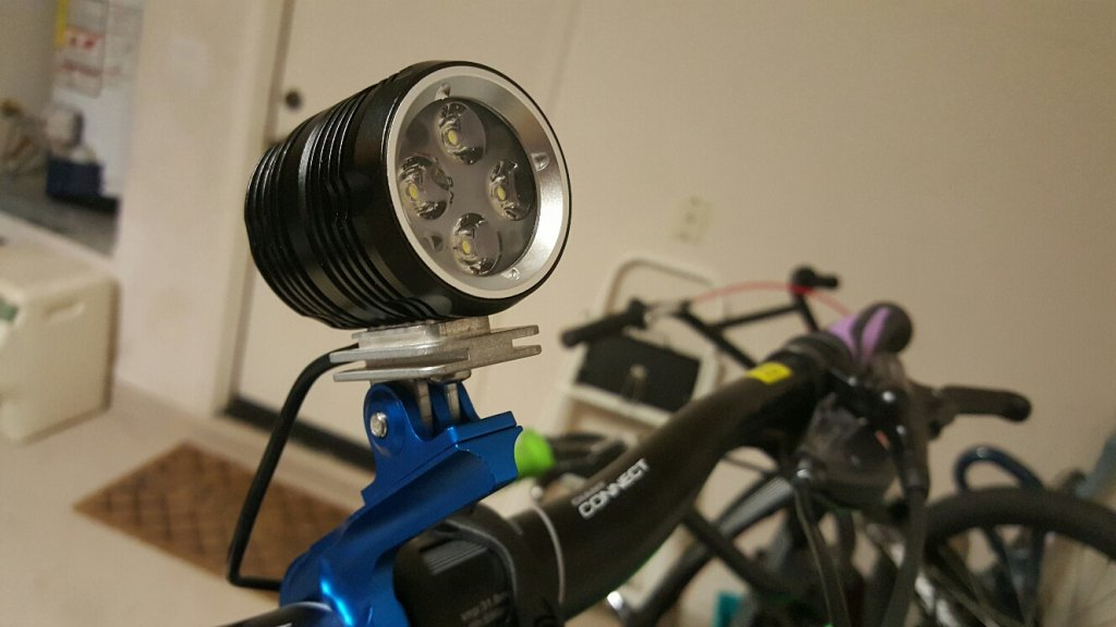 GoPro light adapter with fins for additional heatsinking-20150813_195323_resized.jpg