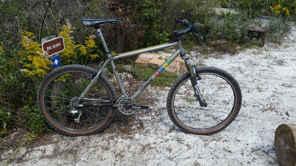 Are you still running a 26 frame with rim brakes ?-20151003_125405.jpg