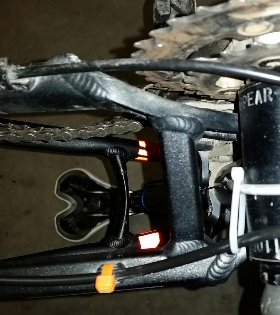 Cracked Spearfish Chainstay-2016-12-11-05.56.22.jpg