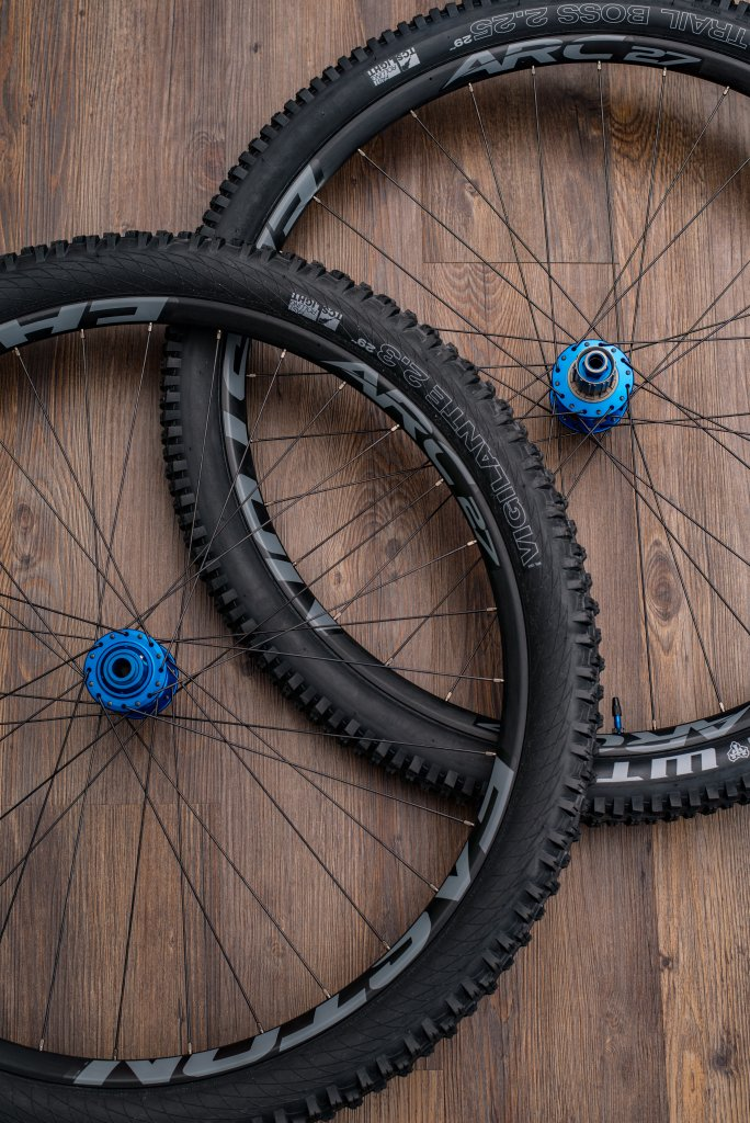 Lets see some blinged out wheelsets..I9,CK,Hope..anything goes!-20160203-_dsc2093.jpg