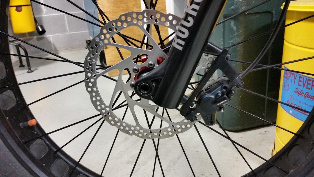 Shimano Deore disk brakes not contacting rotor correctly?-20160616_081142a.jpg