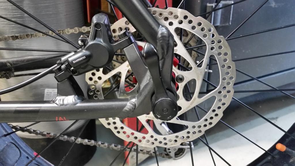 Shimano M615 Hydraulic Disc Brake Set Front /& Rear 160mm RT56 Rotors