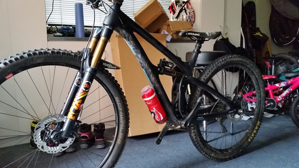 The best bottle cage for 'under mounting' on your YETI.-20160709_092036.jpg