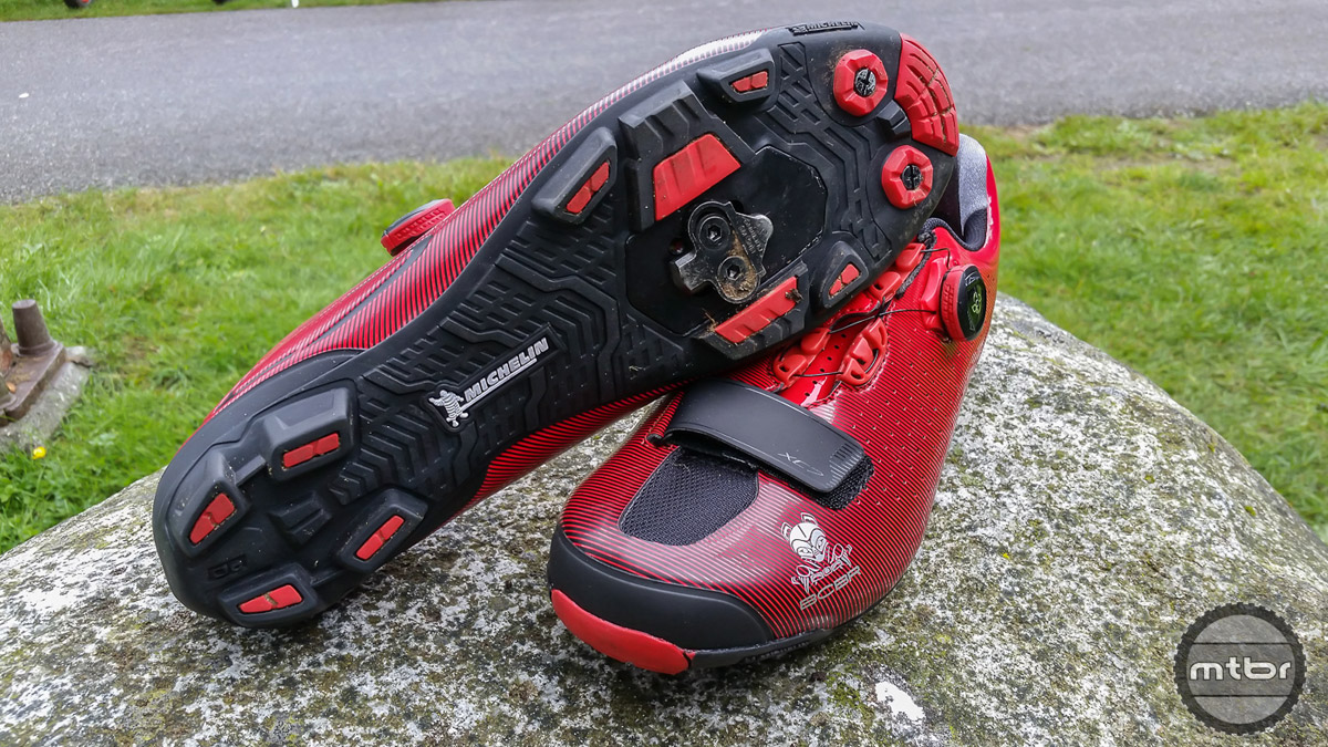 Shimano's newest XC racing shoe, XC7, made it's debut at this year's BC Bike Race. Stage winners were awarded with their own pair of shoes in BCBR colors.