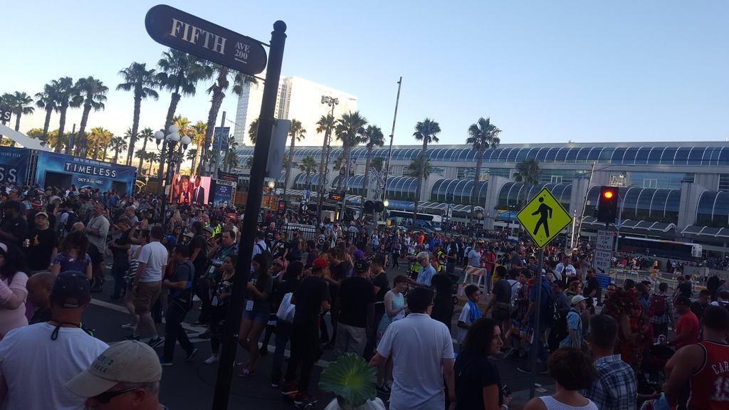 Get wrecked nerd! Comic Con 2017-20160722_191235_zpstgcy5bem.jpg