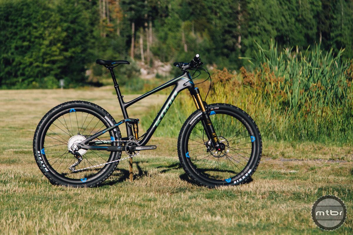 "The Kona Hei Hei is a 140mm travel 27.5"" trail bike with an XC pedigree."