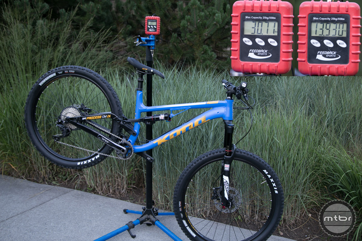 The size large Kona Process 134 DL weighs 30.71 lb/13.93 kg and retails for $3,599.