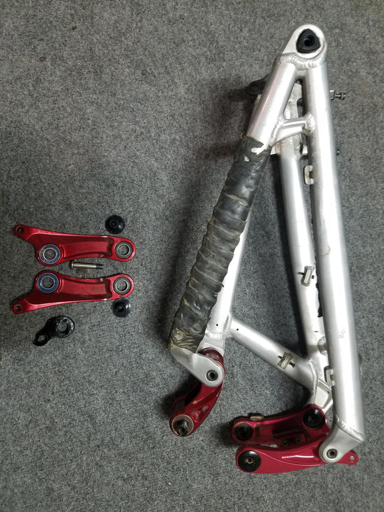 FS: 2015 Balance swingarm, links, hardware-20170718_234612.jpg