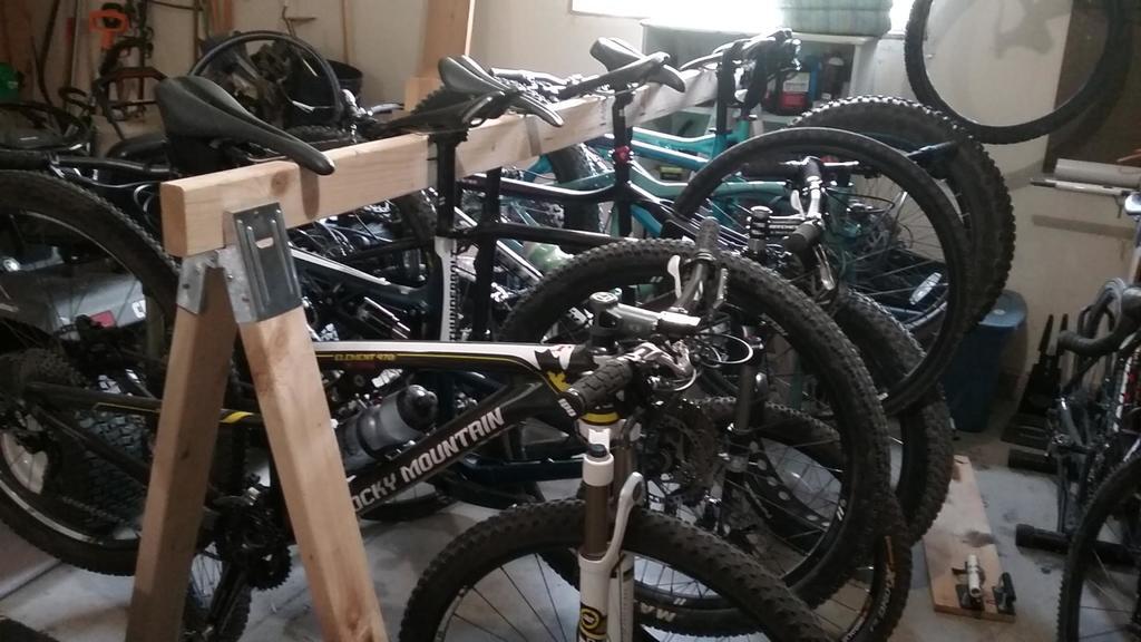 Lining bikes up in garage-2017090495095041.jpg