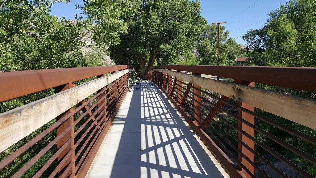 bike +  bridge pics-20180518_084059.jpg
