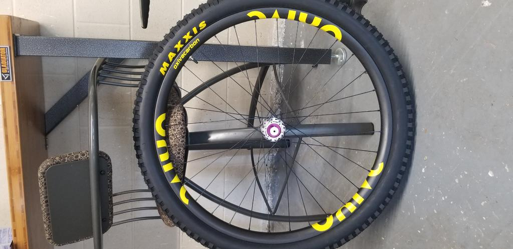 Oxive Carbon Rims and Wheels-20180618_174508.jpg