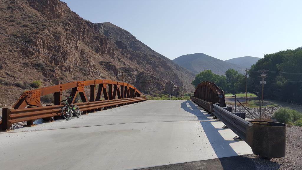 bike +  bridge pics-20180819_092053.jpg