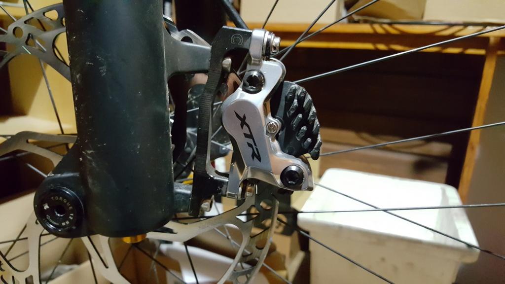shimano BR-M8120 vs BR-M8020 shimanos new 4 piston brake set-20181206_210632.jpg