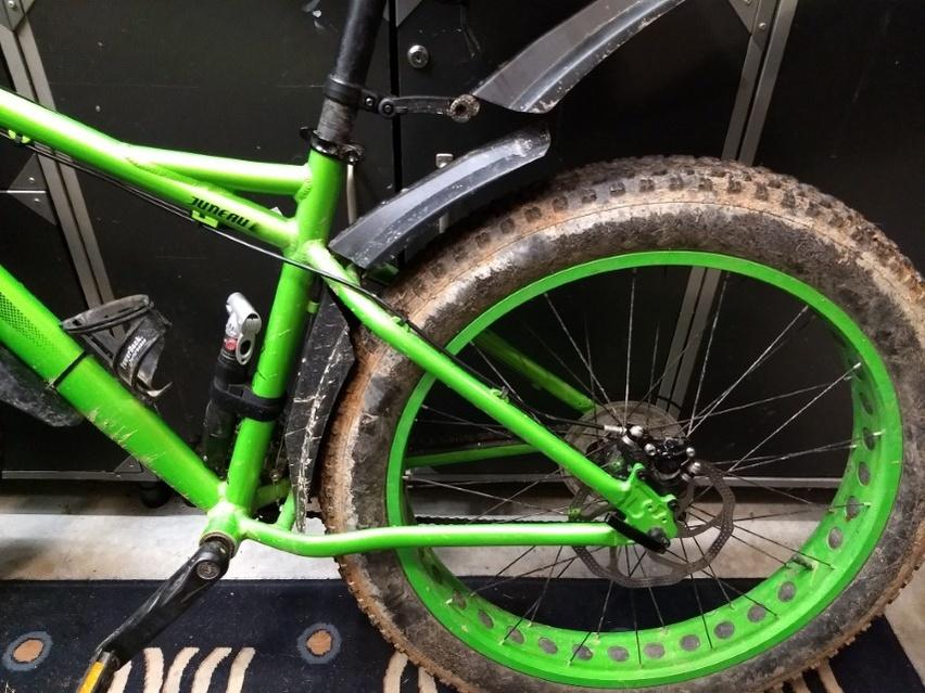 Rear fender that stays in place?-2019-01-06-19.13.15-custom-.jpg