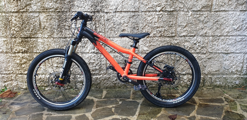 Commencal Ramones 20'' custom build for my 5 years old boy-20191224_121519.jpg