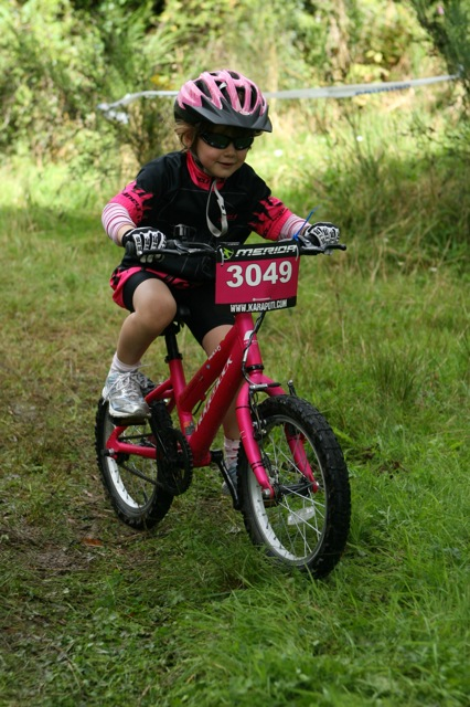 Kids gloves and hydration packs.Suggestions?-20x30-kaptr0377.jpg