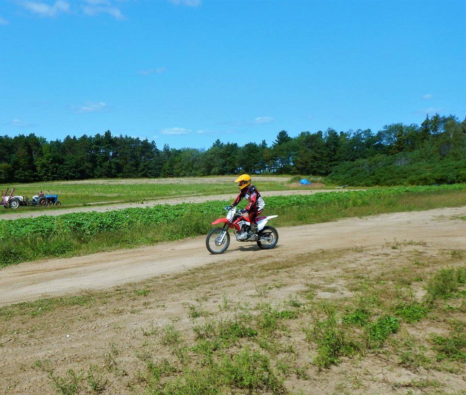 Do any of you guys wear motocross helmets for downhill?-21032488_1977611892483252_1450803807137287542_n.jpg