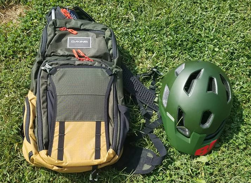 Need a new hydration pack, what about these?-21616451_10155678643134291_1511704390441863090_n.jpg
