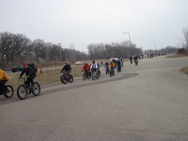 official global fatbike day picture & aftermath thread-217893_467593993281944_2074434660_n.jpg