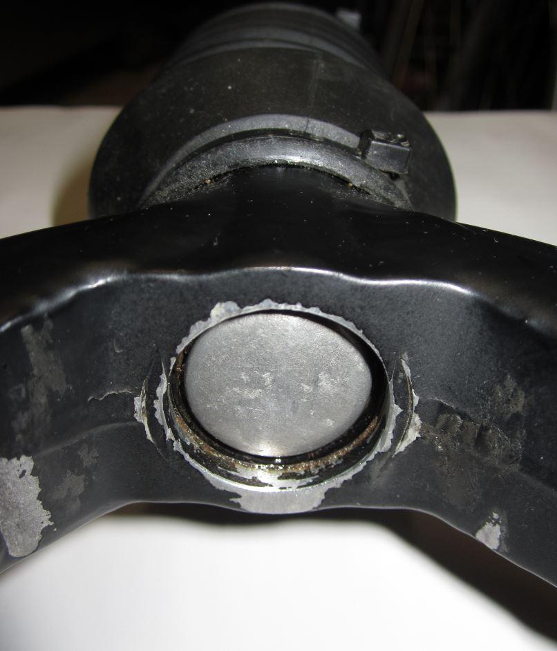 Headshok leaking oil-2263-snipped_mtbr.jpg