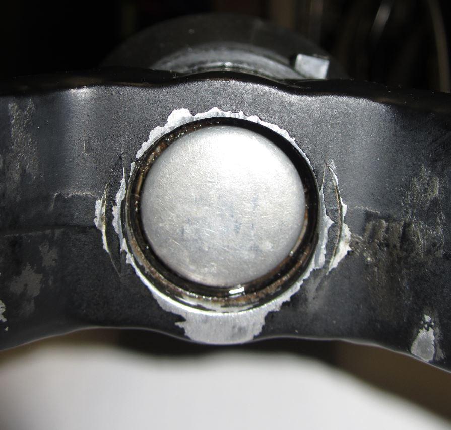 Headshok leaking oil-2264-snipped_mtbr.jpg