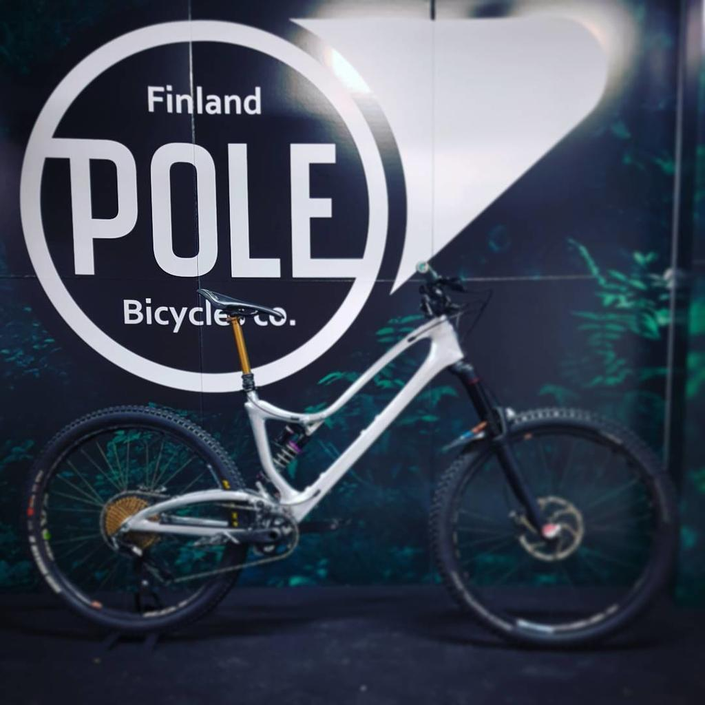 Everyone wants to ride my Pole-22802672_499122500475170_7550375523650633728_n.jpg