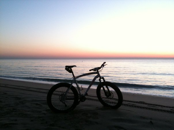 Beach/Sand riding picture thread.-26749_1252934764598_1266394893_30612259_7207165_n.jpg