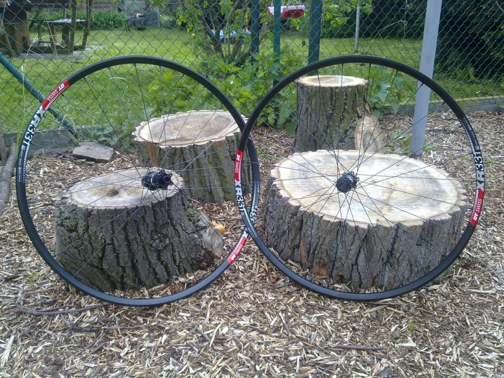 Lets see some blinged out wheelsets..I9,CK,Hope..anything goes!-27042016496.jpg