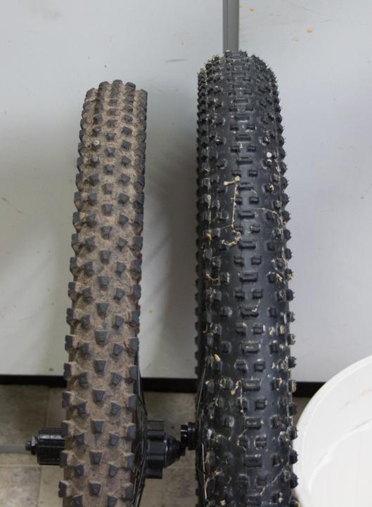 "New 26"" bike built-28-tire.jpg"