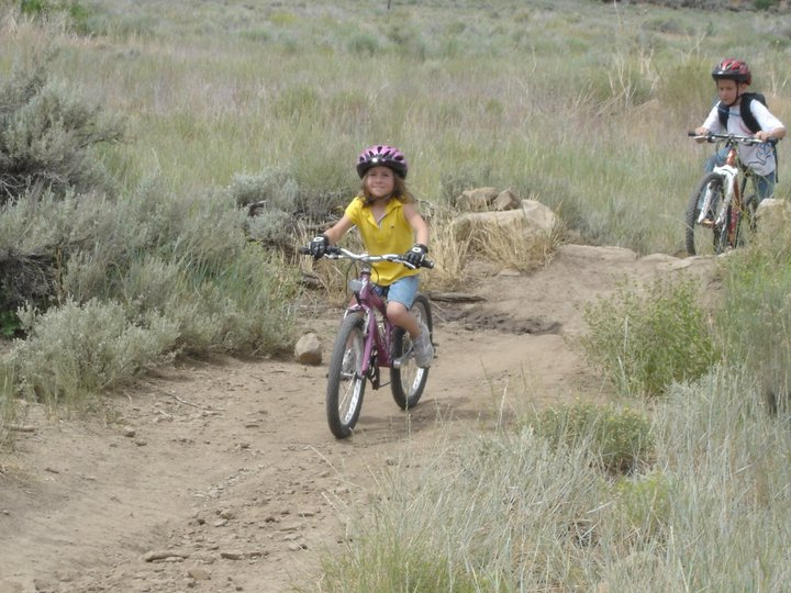 Where's Your Kid Riding Pics Front Range?-281372_10150314327883343_7505094_n.jpg