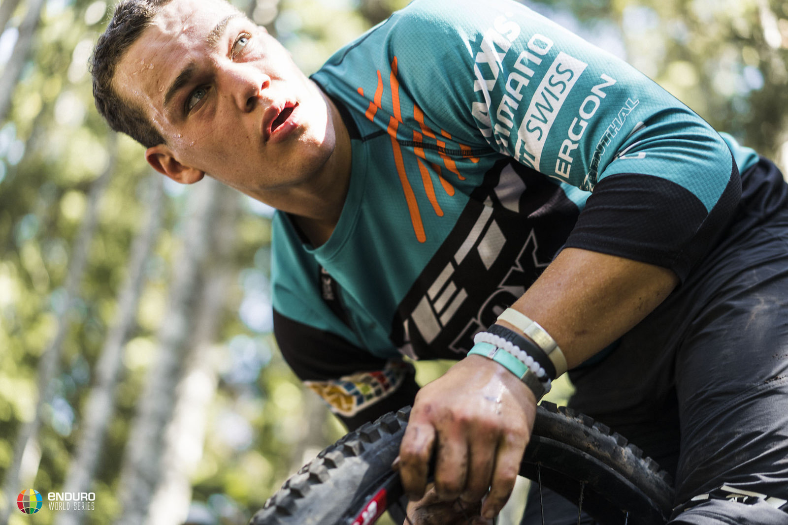 Rude knows every second counts when dealing with a puncture. Photo courtesy Enduro World Series