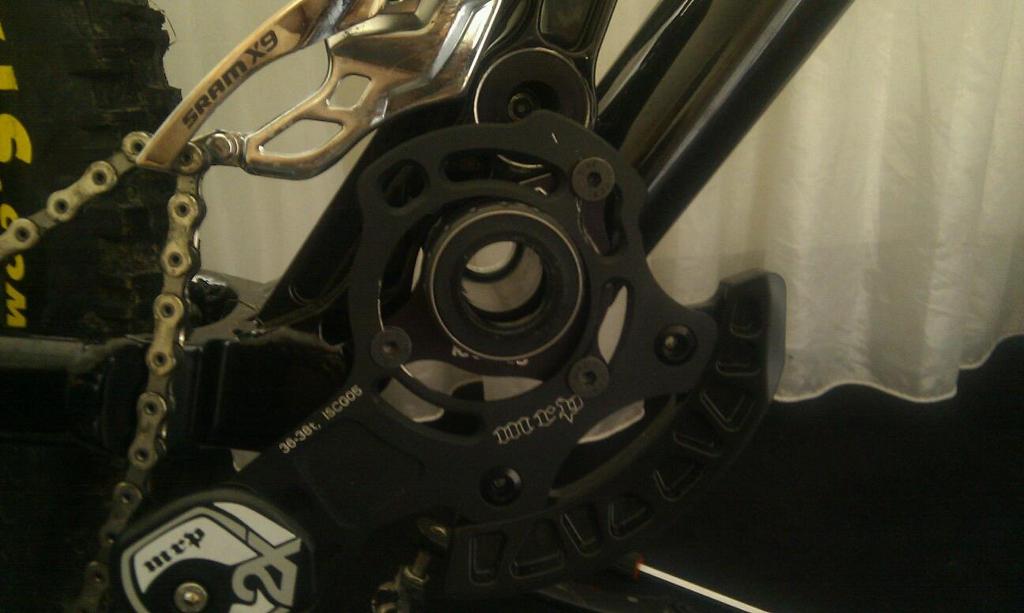Dual-ring chainguide for FXR (2x9, 2x10)-291384_4266038978758_386027754_o.jpg