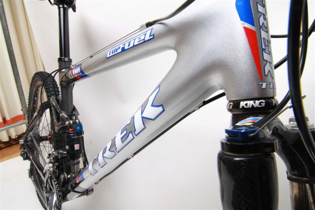 Paint Jobs on Carbon Fiber Frames Wear Out Faster?-3.-img_4775-medium-.jpg