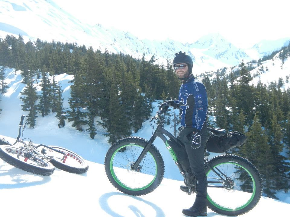 Epic crust riding conditions at Turnagain Pass this morning!-303411_10201043704964341_1176454513_n.jpg