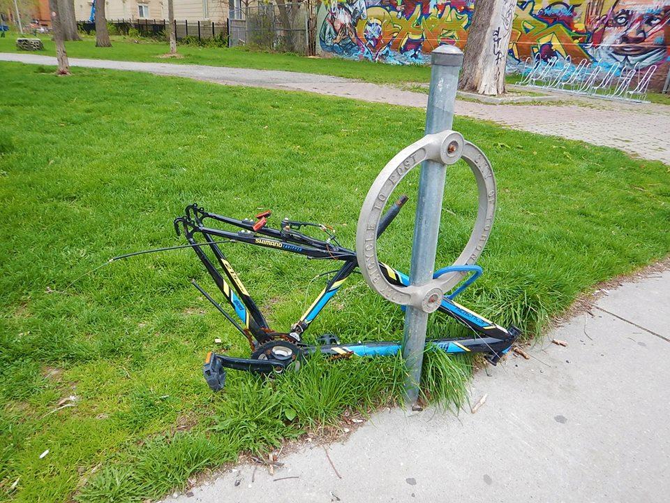 Sad Bikes-32293971_2107119336199173_895397928418410496_n.jpg
