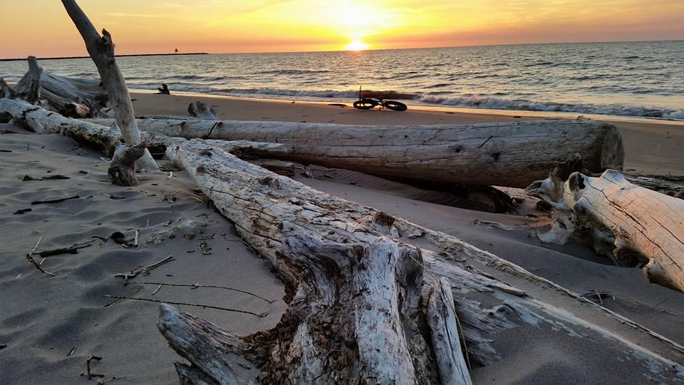 Beach/Sand riding picture thread.-32507949_1643220672463735_7969803763282083840_n.jpg