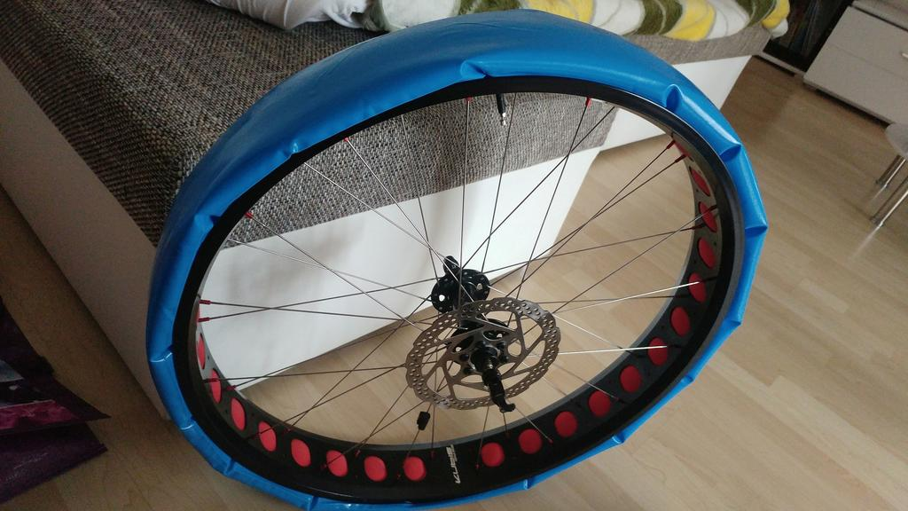 REVIEW: The 140g Super light Revoloop Fat tire tubes-35.jpg