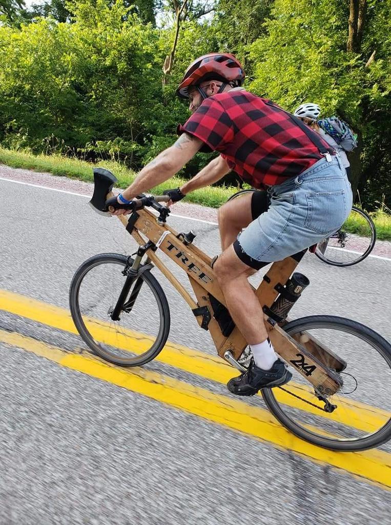 Bike hijackers on trails-37638974_10214664716788884_8244579583148425216_o.jpg