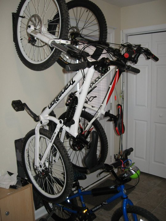 Bikes in Living Rooms?-39194_124198130959569_100001081485309_135950_6187115_n.jpg