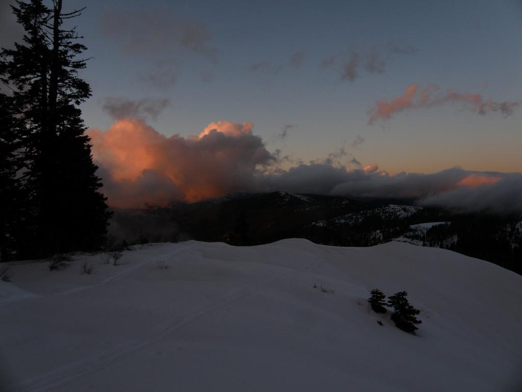 Sunrise or sunset gallery-39922756055_fc7a24cc44_b.jpg