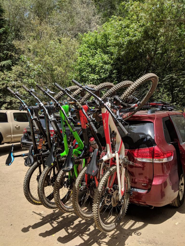 Any minivan enthusiasts here? Just made my second version of Bike Station (shredbox),-3cc272bd-287e-417b-9ffb-f8b3176fbf9f.jpg
