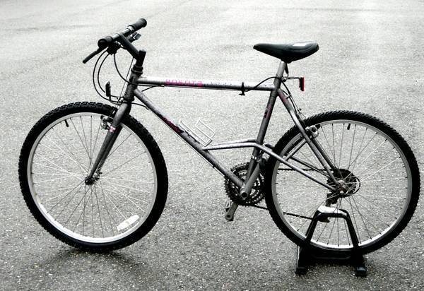 Elevated chainstay bike history questions.-3g83fc3m35lb5e55m4d4b1c2d28e5ea6f1b41.jpg