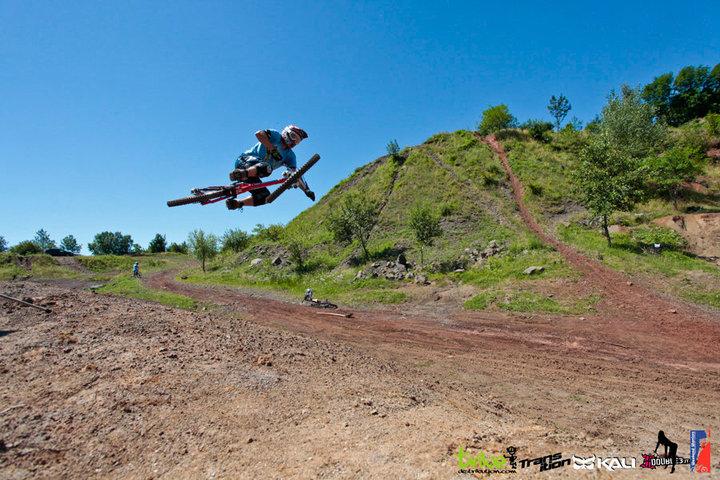 Transition Bikes in midair!-41188_1547511497571_1528582375_1383280_7318598_n.jpg