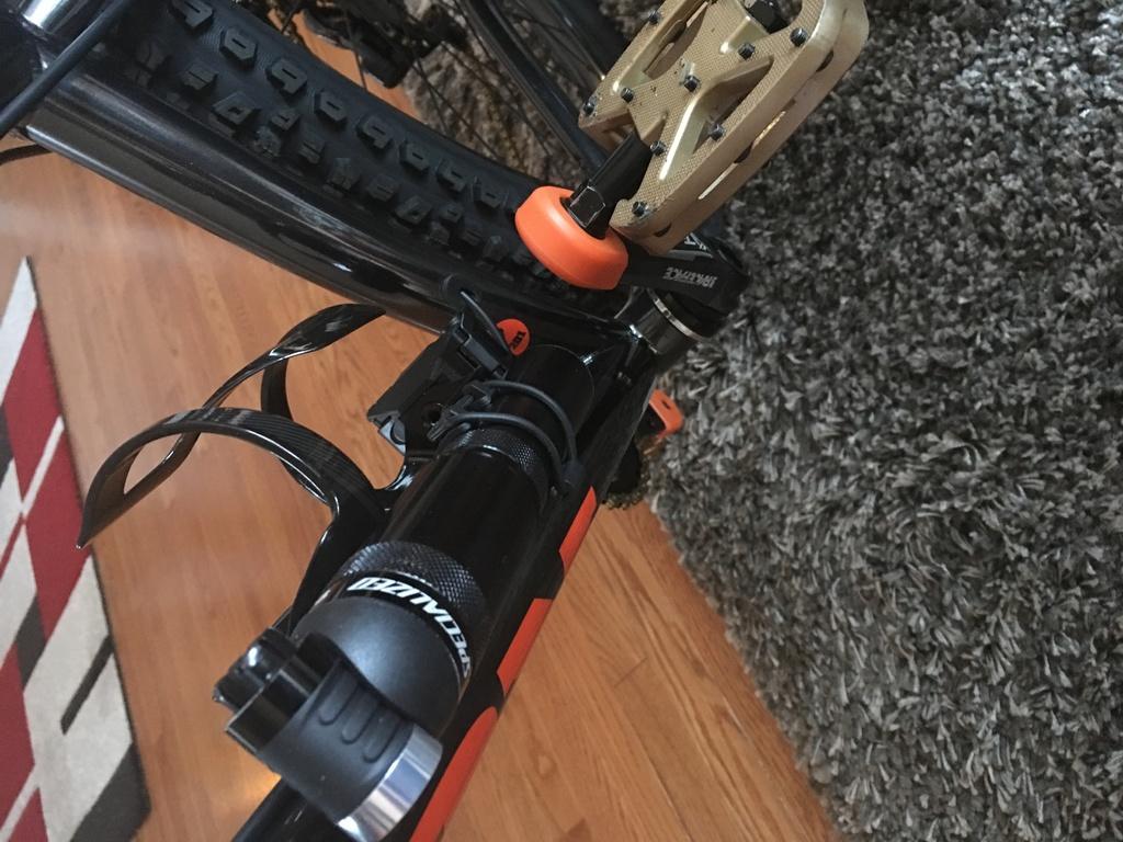 Pump for fatbike-463dbbae-4f4d-41f0-9abc-f9cee9fae452.jpg