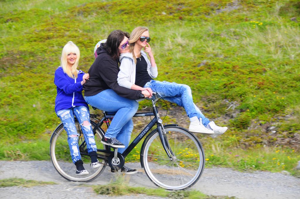 Bike hijackers on trails-4786588588_bbc18837f3_b.jpg