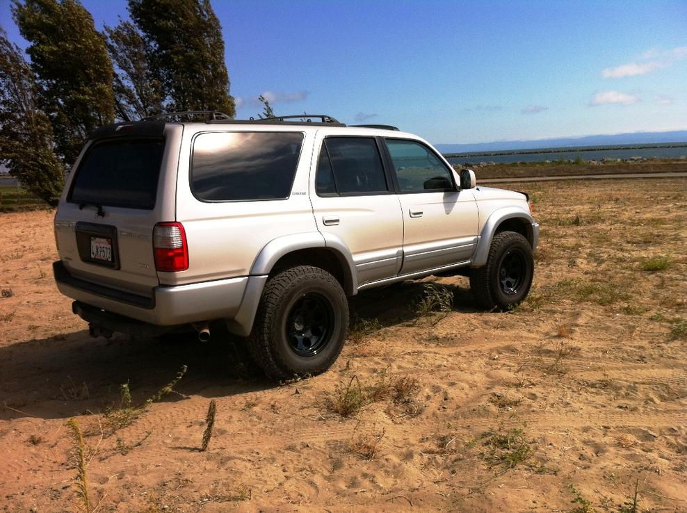 What kind of car do you not drive to work?-4runner-8069s-001.jpg